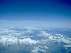 На фото хорошо видно термобарическое поле Земли и тропосфера